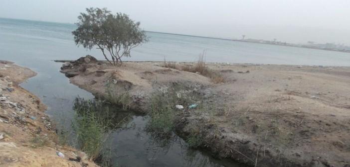 صور| في «الكبانون».. محطة الصرف لا تعمل.. والمجاري إلى خليج السويس