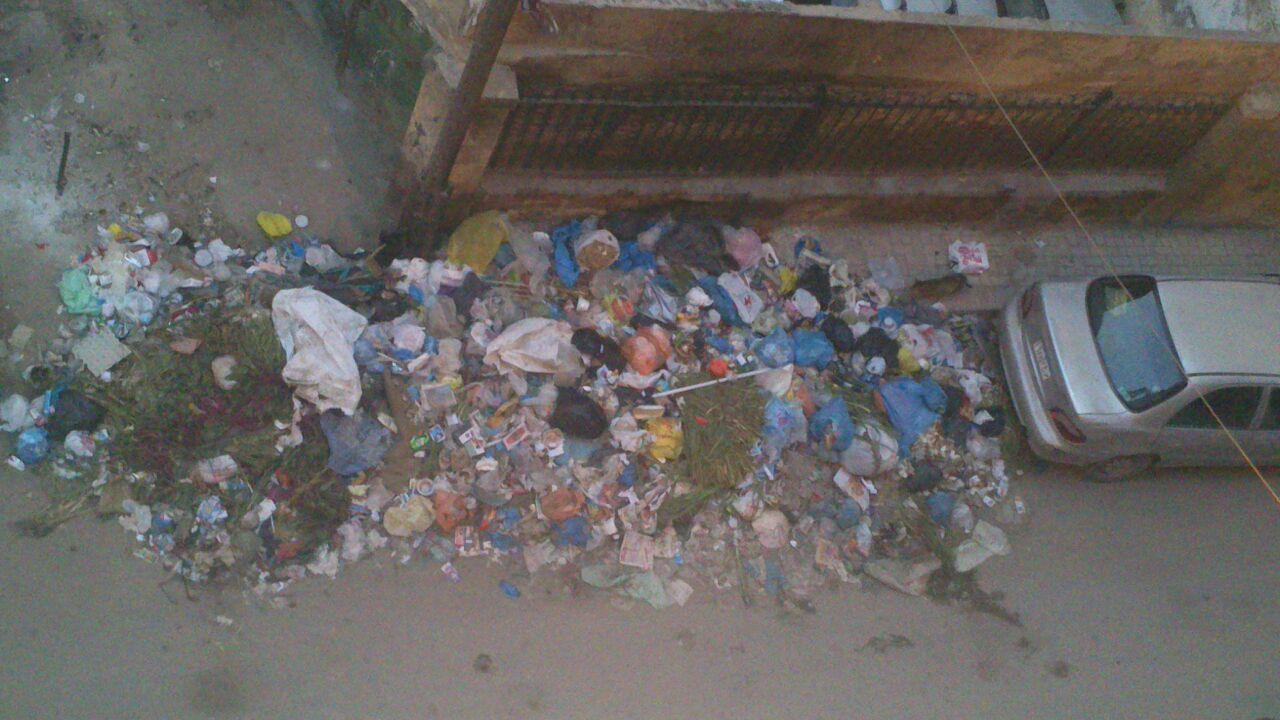 تجاهل رفع القمامة لأيام من مناطق بالإسكندرية