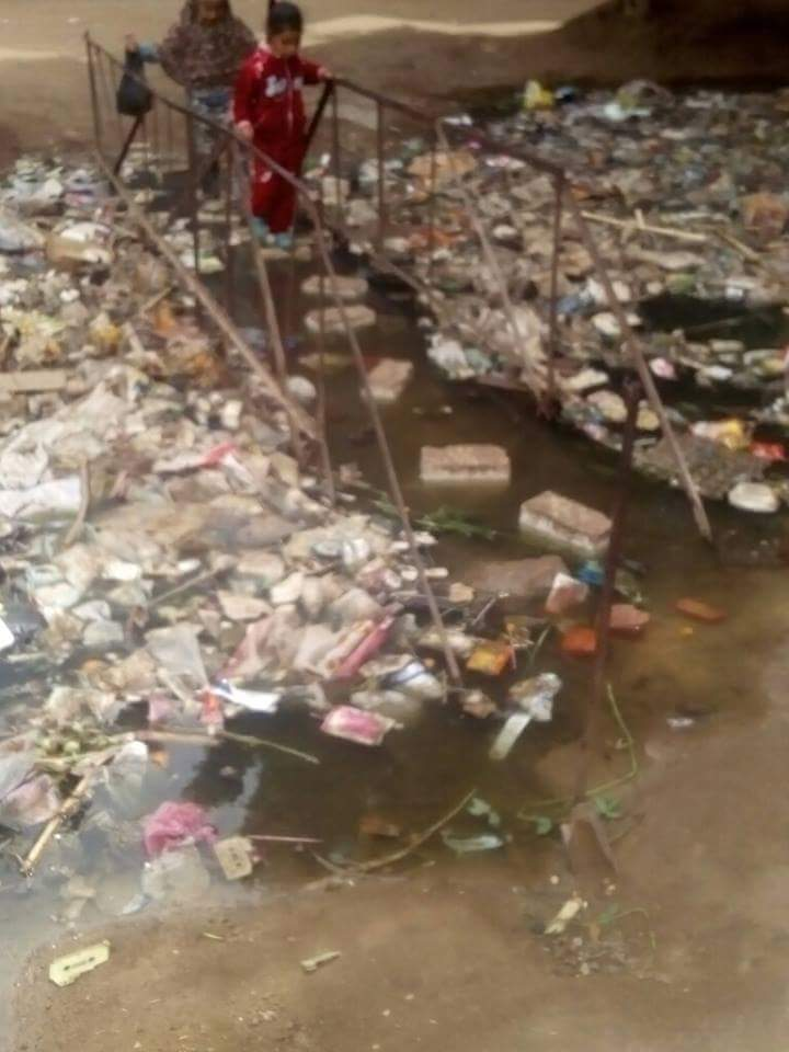 غرق كوبري في مخلفات ترعة قرية «برقاش» بالجيزة