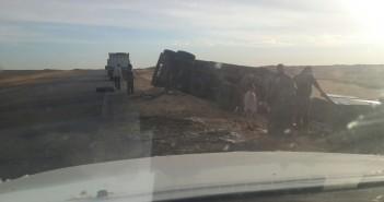 مواطن يرصد إهمال طريق الواحات ـ القاهرة: ضيق ويشهد حوادث يوميًا