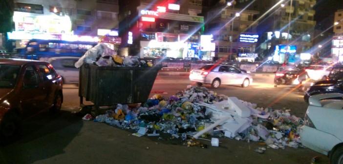 بالصور.. استياء سكان شارع مصطفى النحاس من تفاقم مشكلة القمامة