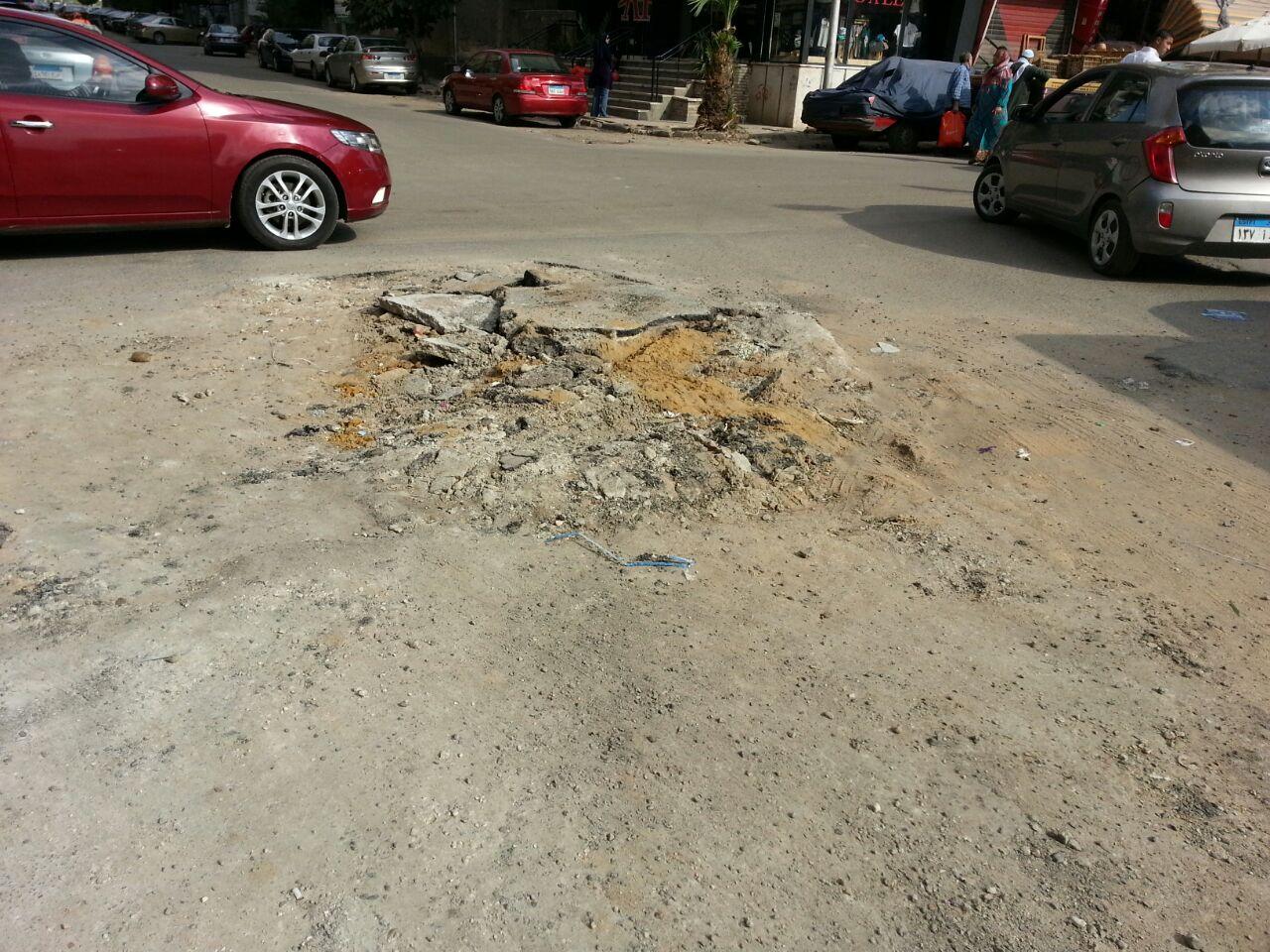أعمال حفر تعرقل حركة المرور في محيط مسجد الحق بمدينة نصر