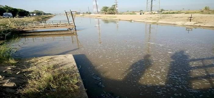 📷| انقطاع المياه عن مناطق بالنوبة.. والصرف يضرب ترعة رئيسية
