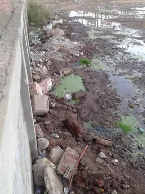 الصرف يهدد بيوت أهالي «مشيرف» بالمنوفية.. وغرق ملعب مركز شباب