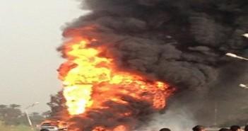 اشتعال النار في سيارة مواد بترولية قرب محطة وقود بسوهاج