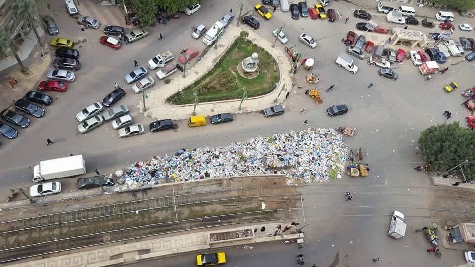 تفاقم أزمة القمامة بمنطقة ترام سيدي بشر بالإسكندرية