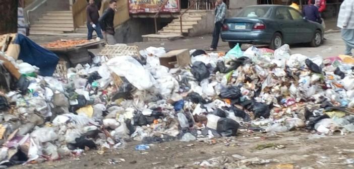 📷| تفاقم مشكلة القمامة في أحد شوارع البساتين