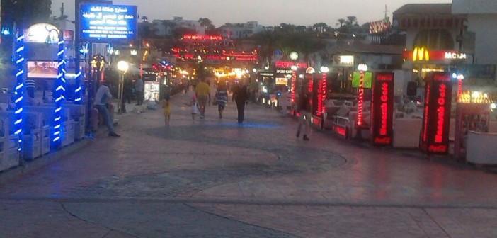 شرم الشيخ «مدينة أشباح».. وأصحاب المحلات يطلبون تخفيض الإيجارات (صور)