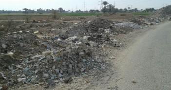 انتشار القمامة في قرى «أبوتشت» بقنا