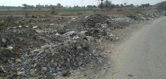 📷| انتشار القمامة في قرى «أبوتشت» بقنا