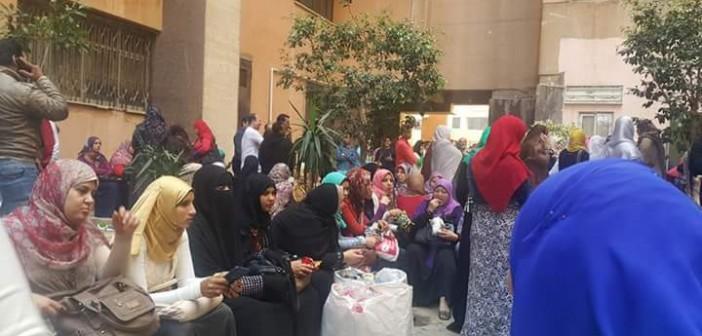بالصور.. إضراب طاقم التمريض والصحة العامة بمستشفيات جامعة المنوفية