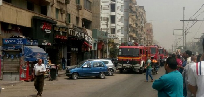 📷| حريق محدود بشقة في ميدان سفير بمصر الجديدة (صور)
