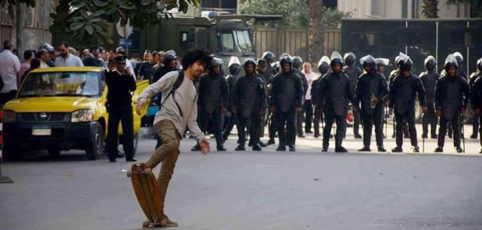 ترحيل 5 من متظاهري «جمعة الأرض» بينهم لاعب الـ«skateboard» لقسم السيدة زينب