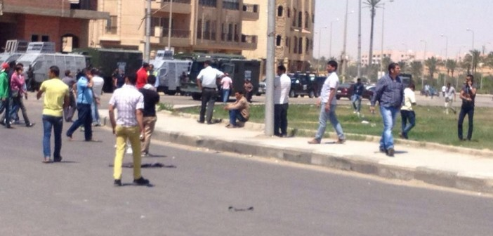بالفيديو.. لحظة فض احتجاج ضد مقتل بائع شاي برصاص أمين شرطة بالرحاب