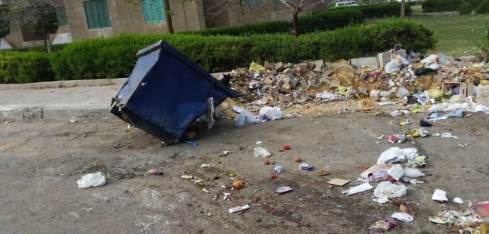 مواطن: شركة نظافة دمرت صناديق القمامة بالتجمع الأول في القاهرة الجديدة