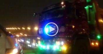 فيديو.. سيارة نقل تسير عكس الاتجاه على محور صفط اللبن بدون لوحات معدنية