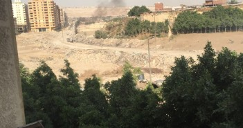 فيديو.. سكان الفسطاط يشكون حرق النفايات بالمدينة