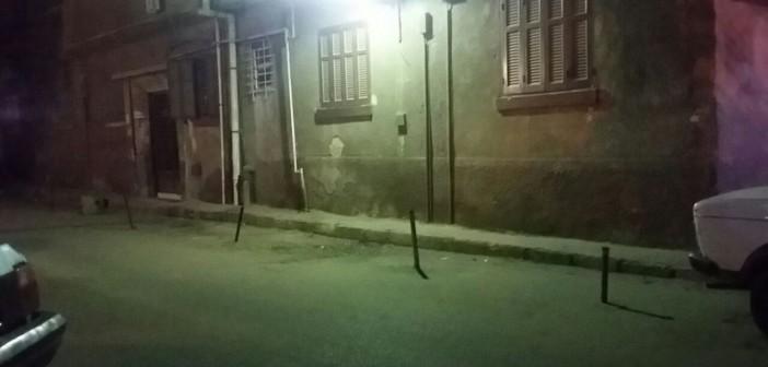مطالب برفع الحواجز الحديدية من شوارع النزهة الجديدة (صورة)