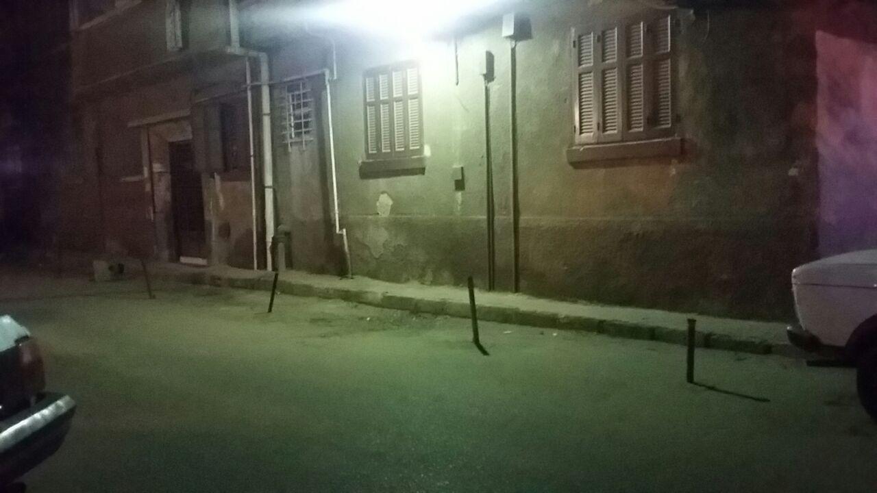 مواطنون يشكون تجاهل إزالة الإشغالات في شوارع حي الزيتون