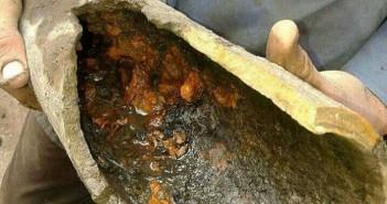 بالصور.. تلوث مواسير المياه في «نجع عايد» بقنا.. ومواطن: «حرام ما يحدث لنا»