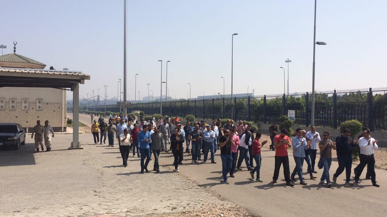 لليوم الـ 14.. العاملون بـ«المصرية للاستيرنكس» يواصلون اعتصامهم لصرف مستحقاتهم