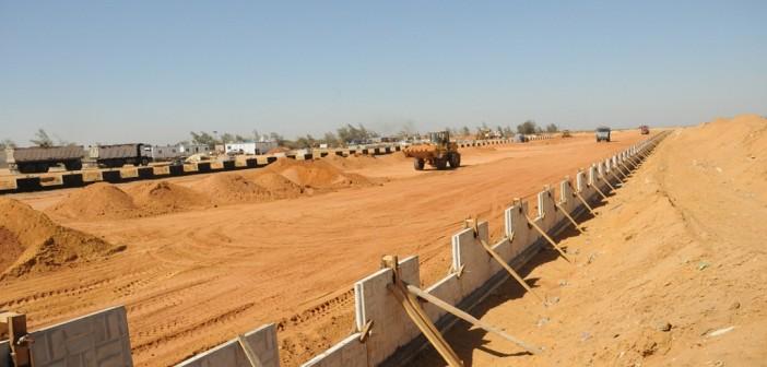 فلاحون يشكون إجراءات نزع أراضيهم الزراعية لصالح «محور 30 يونيو»