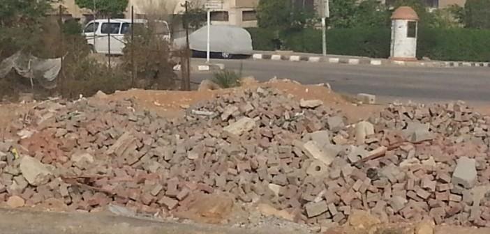 📷  مواطن يشكو تجاهل جهاز «العبور» رفع مخلفات تجديد الأرصفة