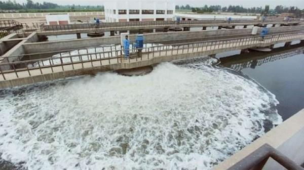 عاملون في «مياه جنوب سيناء» يطالبون برفع أساسي المرتب لـ 495 جنيهًا