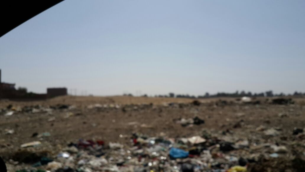 صور | مواطنو «أبو القاسم» بأسيوط يحذرون من تحول منطقة أثرية لمقالب قمامة