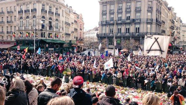 فيديو.. مسيرة ضد الإرهاب والكراهية تجوب شوارع بروكسل بمشاركة مسلمين وعائلات الضحايا