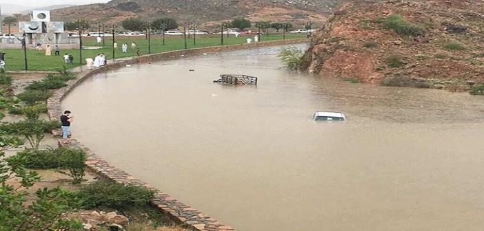 بالفيديو.. سيول وأمطار غزيرة في الطائف بالسعودية