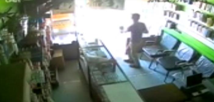بالفيديو.. كاميرا مراقبة ترصد سرقة محل هواتف بالغربية في «عز النهار»
