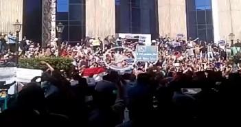 الآلاف يتظاهرون في «جمعة الأرض» أمام نقابة الصحفيين لرفض «التنازل» عن تيران وصنافير