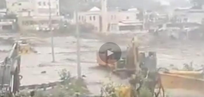 فيديو| سيول جارفة بمدينة عمران في اليمن.. ومصرع 16