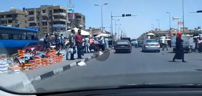 فيديو | العشوائية تضرب مدينة نصر.. غزو للمقاهي وإشغالات في غياب الحي