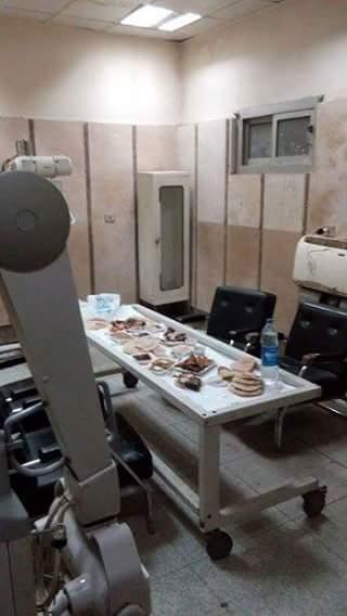 جهزة الأشعة بمستشفى المنصورة تتحول لطاولة لتناول «الفول والطعمية»
