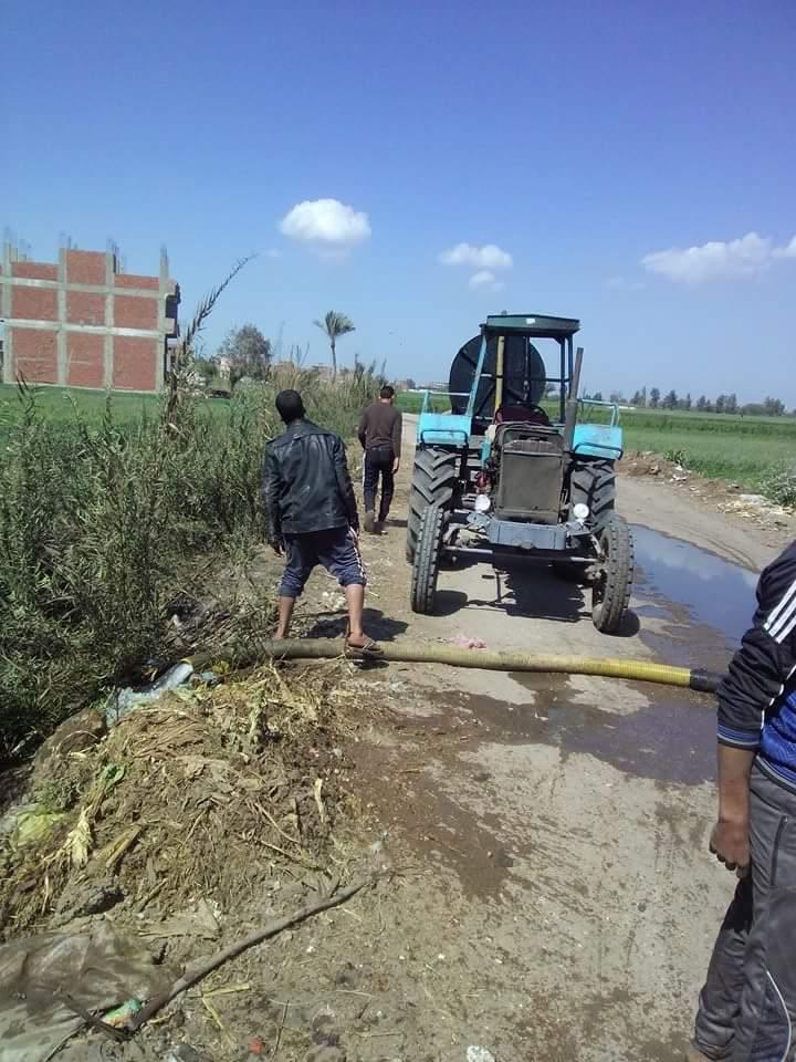 حرمان 5 قرى بالشرقية من تشغيل محطة صرف منذ 16 عامًا.. والمجاري مصيرها للترع