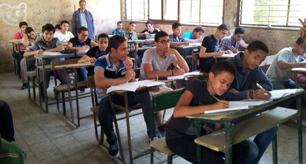 استياء طلاب «إعدادي» وأولياء أمور من امتحان الحاسب الآلي بالقليوبية