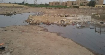بالصور.. الصرف الصحي يضرب سوق قرية «أبو سلطان» بالإسماعيلية