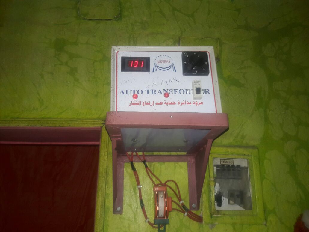 أهالي «كفر الوزير» بالدقهلية يشكون ضعف التيار الكهربي.. وتلف الأجهزة المنزلية