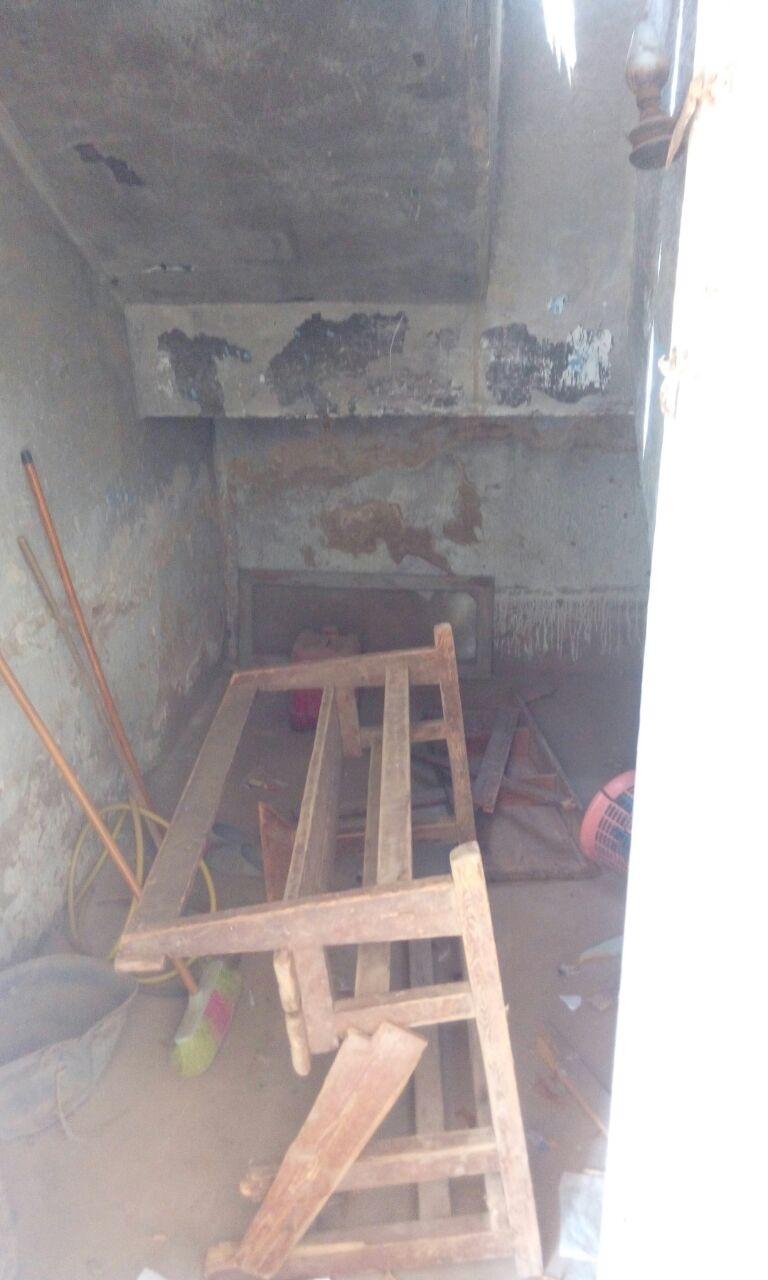 بالصور.. الرطوبة تأكل مبنى مدرسة «مشيرف» بالمنوفية.. ومطالب للمحافظ بترميمها