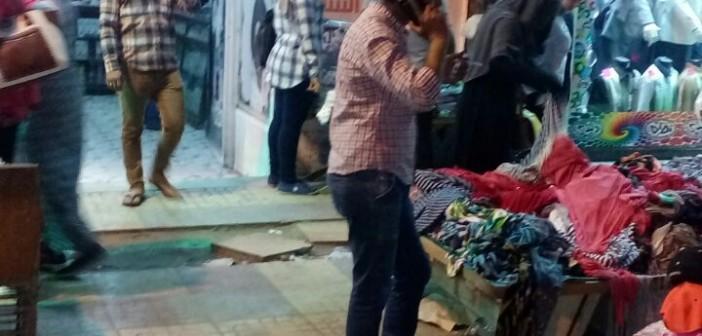 مواطن يشكو انتشار الباعة أمام المحال على أرصفة شوارع المنشية