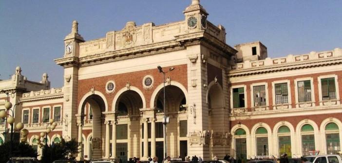 بالصور.. القمامة تحاصر محطة مصر بالإسكندرية