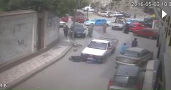 فيديو.. كاميرا مراقبة ترصد لحظة دهس سيارة سيدتين في دمياط دون أسباب واضحة