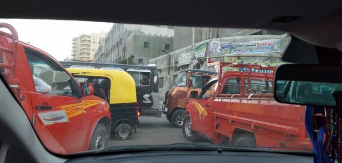 في غياب المرور.. تكدس يومي في الحضرة بالإسكندرية (صورة)