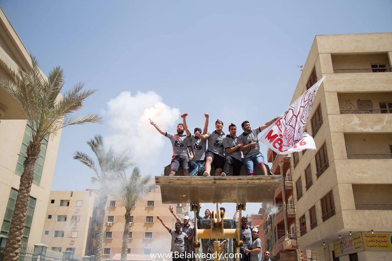 طلاب هندسة ميكانيكا يحتفلون بالـ«Fun Day» عبر «دخلة الونش»