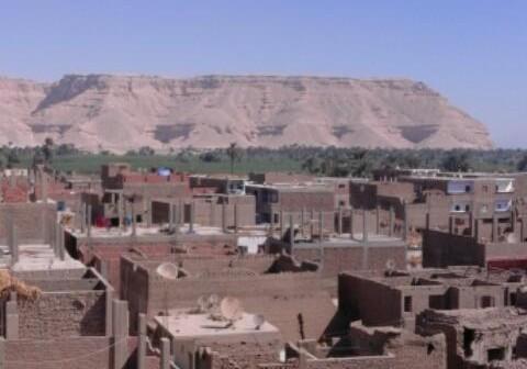 «نجع عابد» خارج اهتمامات محافظة قنا.. والأهالي: مفيش خدمات