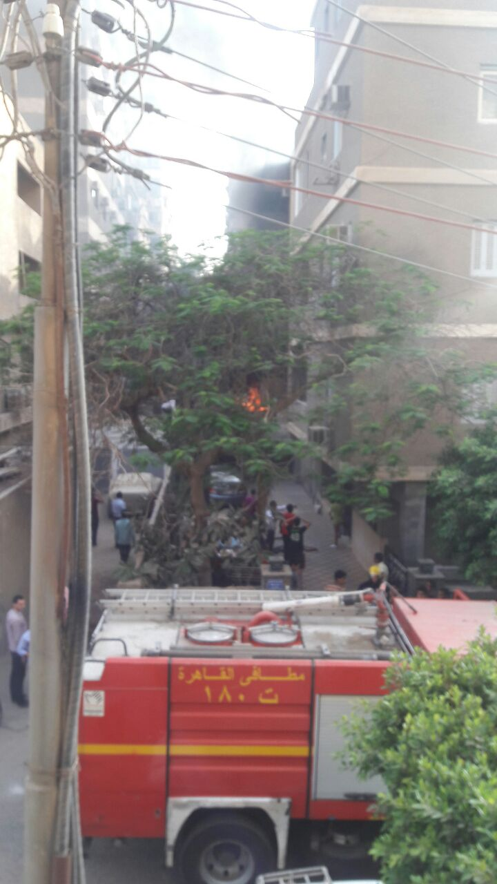 الحماية المدنية تسيطر على حريق بشقة قرب ميدان الحجاز بمصر الجديدة (صور)