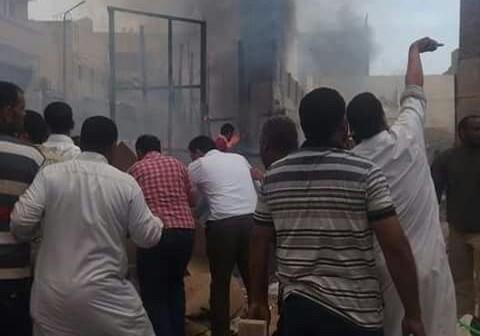 بالصور.. السيطرة على حريق شب في محلات بالعامرية غرب الإسكندرية