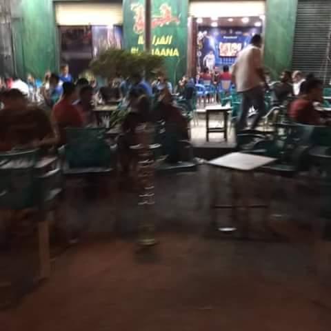 الإسكندرية | مقاهي تحتل أرصفة شارع بميامي (صور)